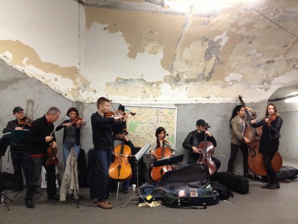 Musicians in Paris subway 2014 2